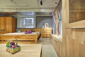 Мебель и сопутствующие товары