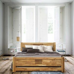 Кровати из дуба