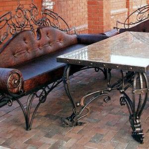 ковка диван стол